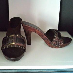 Mia Wooden Heels Sandals Black & Brown size 7